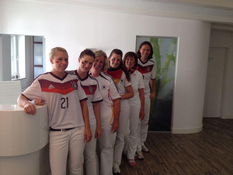 Gruppenfoto Zahnarzt Siegen zur WM