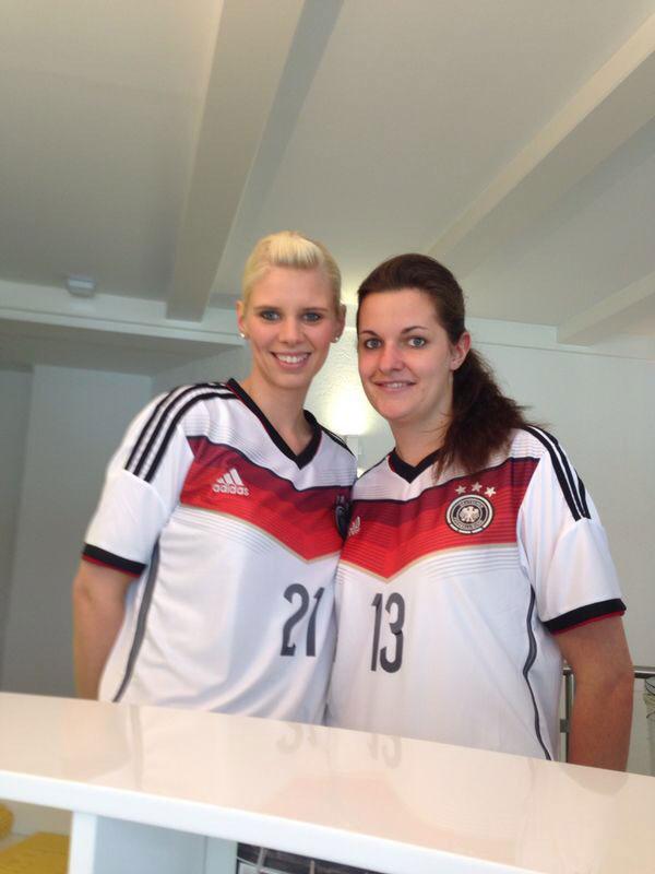 Nahaufnahme WM Foto Mitarbeiterinnen Zahnarzt Siegen